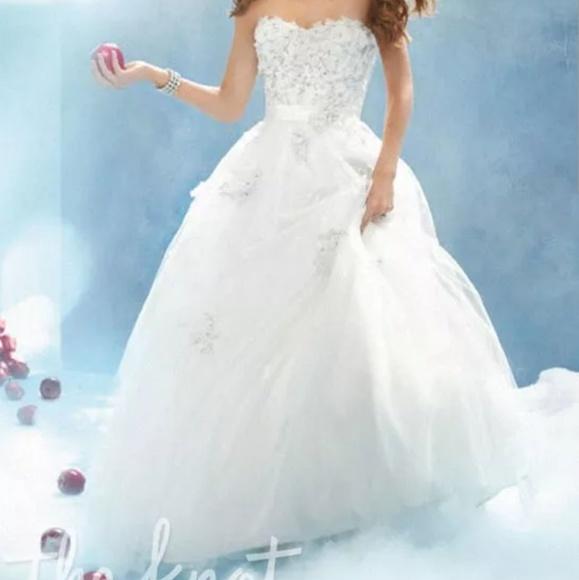 Snow White Wedding Dress 3